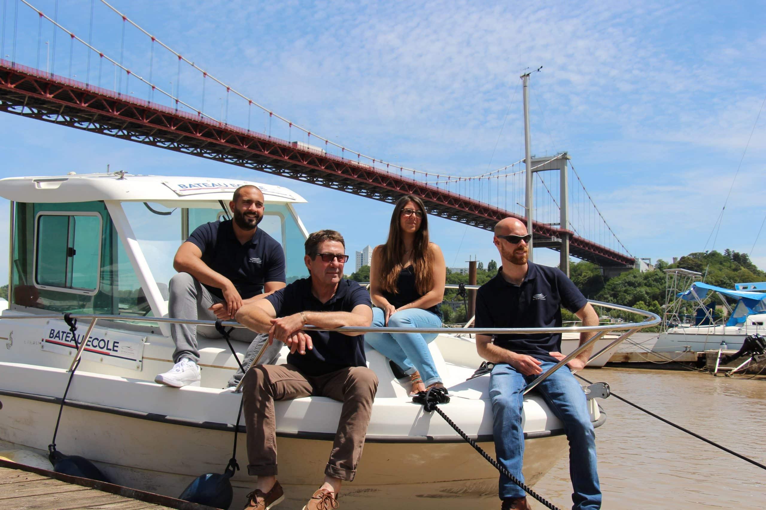 equipe-jet-boat-school